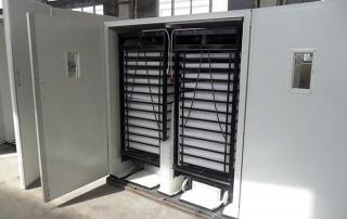 Big capacity incubator